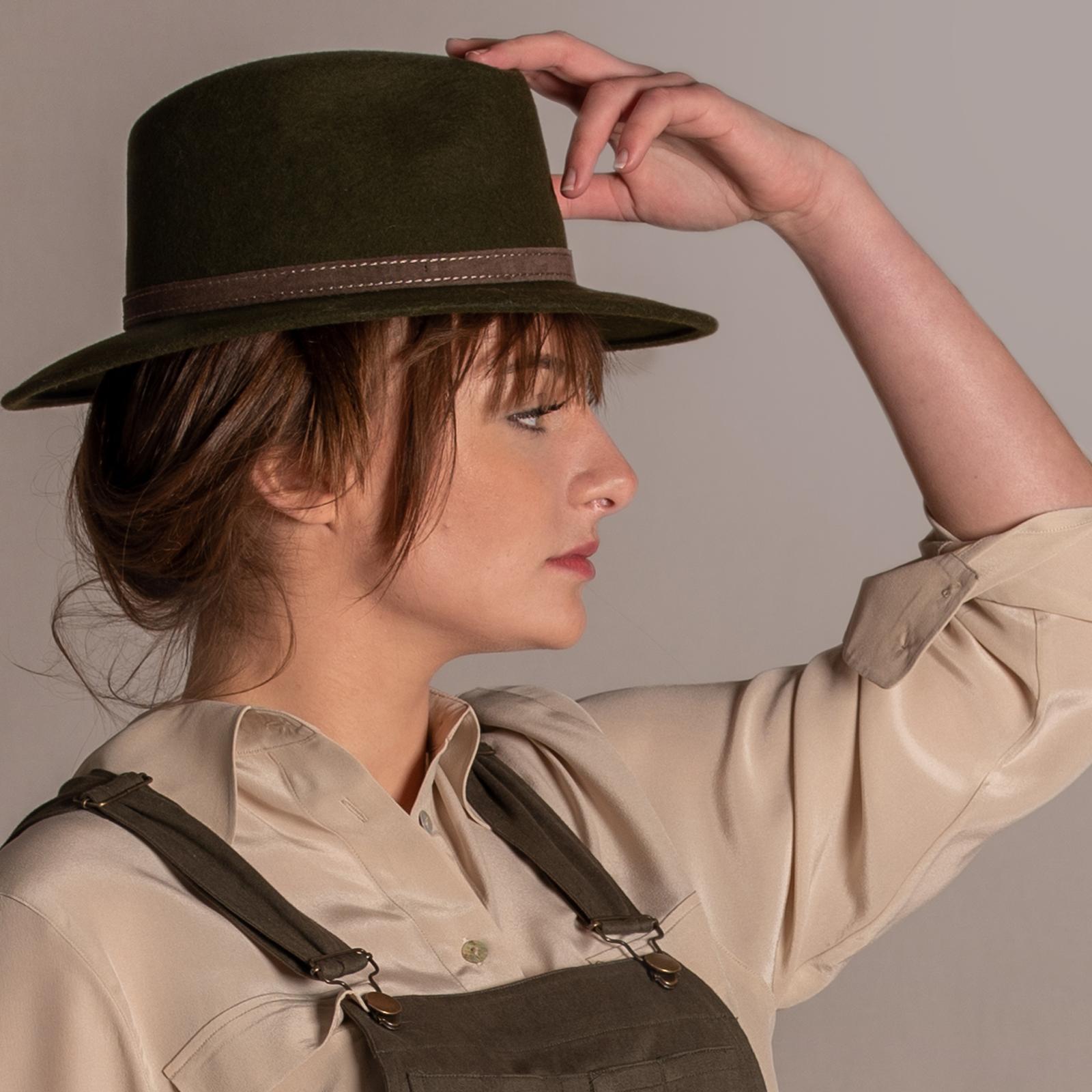 chapeau.